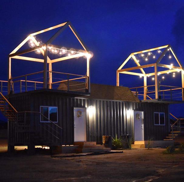 Cabaña hecha con contenedores